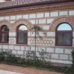 Fasada na manastiru u Kacu 1