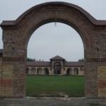 Istocni ulaz u manastir od stare cigle Kac - 1